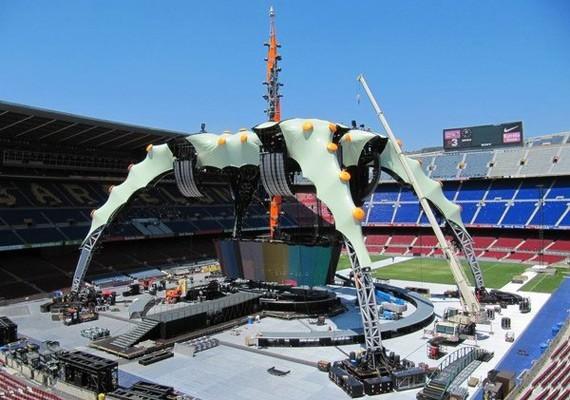 The Claw, el escenario del 360° Tour, toma forma