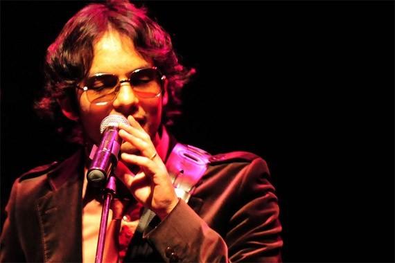 Álvaro López, vocalista de Los Bunkers | Foto: Javier Valenzuela