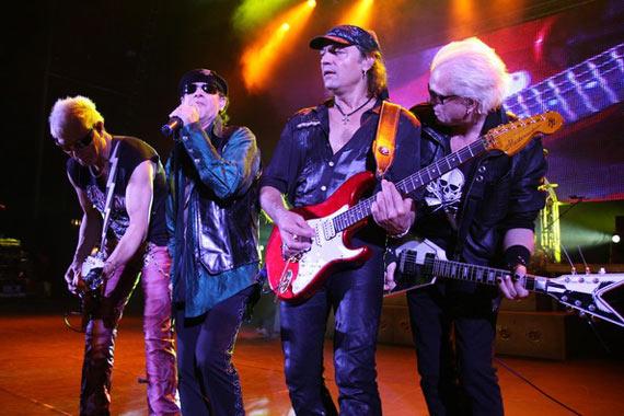 Scorpions planea tour mundial