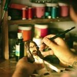 Uriel Valentín, creando a Lennon | ©MEDIODESCOCIDO Art Dolls