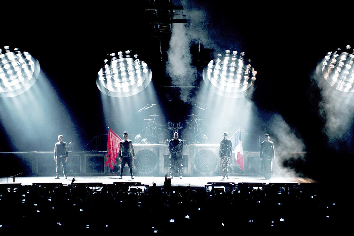 Rammstein anuncia 39 paris 39 su nuevo registro visual en vivo for Conciertos paris 2017